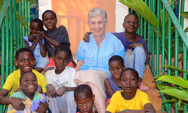 """Cortadella: """"Compartir la felicitat dels infants a l'Àfrica és el més gratificant com a missionera"""""""