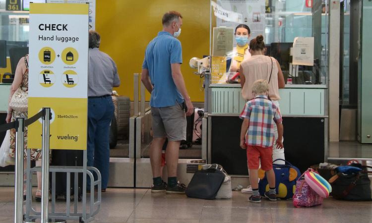 Les aerolínies comencen a implementar un 'passaport sanitari' digital