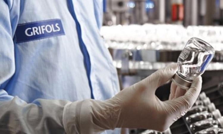 Grifols acorda amb els EUA desenvolupar un tractament per combatre la covid-19