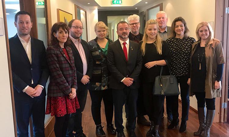 Bosch es reuneix amb membres del Parlament d'Islàndia a Reykjavík