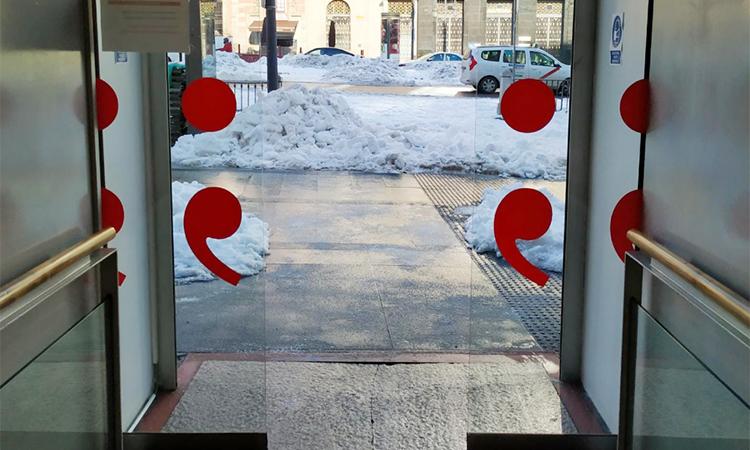 La llibreria Blanquerna de Madrid reobre les portes després de la nevada