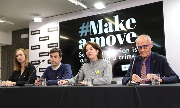 Les comunitats catalanes a l'exterior internacionalitzen el '#Make a move'