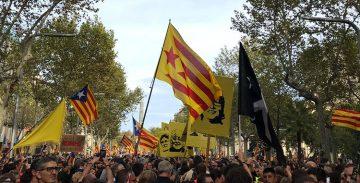 Més de 200 polítics i intel·lectuals portuguesos presenten un manifest contra la judicialització del procés català