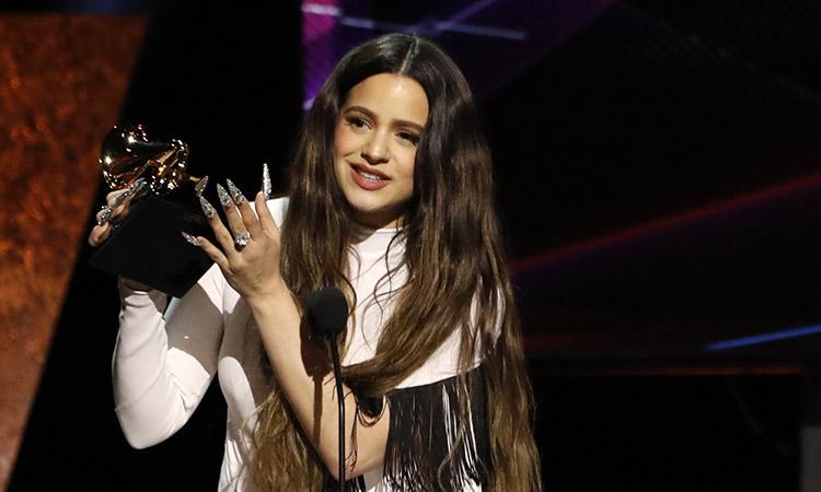 La sesrovirenca Rosalía guanya tres premis a la gala dels Grammy llatins