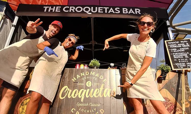 Una parella catalana recorre Austràlia exportant croquetes