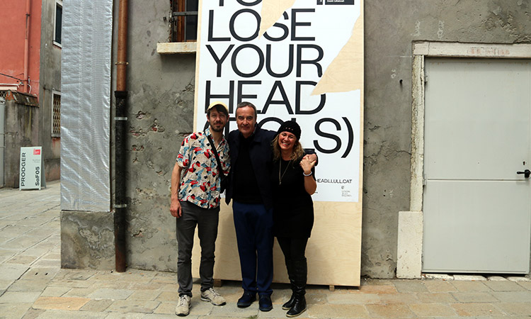 'Catalonia in Venice_To Lose Your Head (Idols)', guardonat amb un Laus de Plata