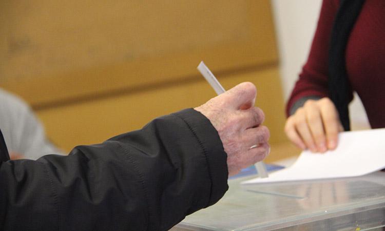 La plataforma 'Vull votar' denuncia la manca de transparència en el vot exterior
